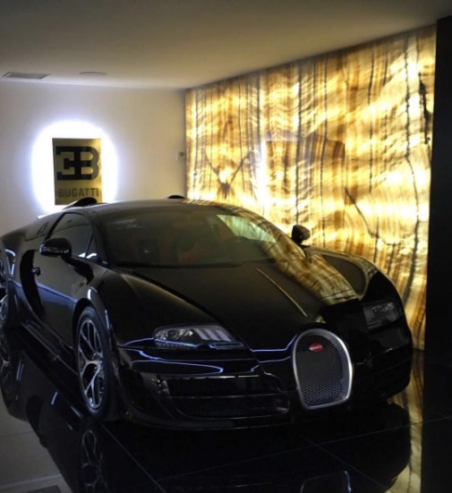 Chiếc siêu xe Bugatti Veyron của Cristiano Ronaldo