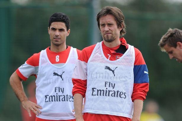 Arteta và Rosicky nhiều khả năng sẽ được tung ra sân trong trận đấu tới tại FA Cup