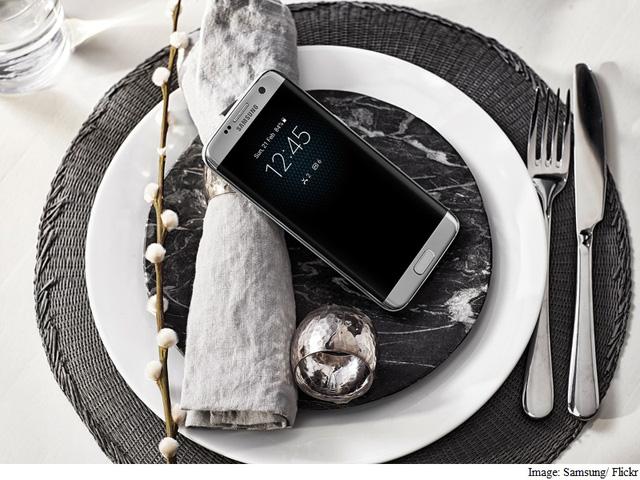 Bộ đôi Galaxy S7 và S7 edge đã góp công lớn cho sự thành công về lợi nhuận của Samsung (Ảnh: Samsung)