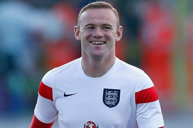 10 - Wayne Rooney. Rooney không có sự khéo léo của Lionel Messi hay C.Ronaldo nhưng lại có thể lực đáng kinh ngạc, lối chơi đồng đội cùng khả năng dứt diểm tuyệt vời. Điều đó đang giúp anh trở thành đầu tàu của Tam sư tại Euro lần này. Trong 2 lần được tham dự Euro trước đây (2004, 2012), Rooney đã có được 5 bàn thắng/6 trận.
