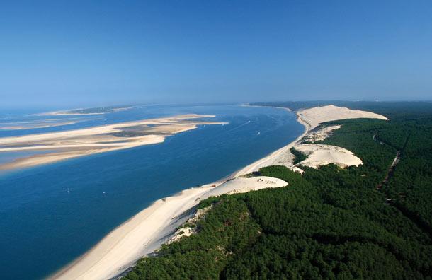 Leo lên cồn cát lớn nhất châu Âu