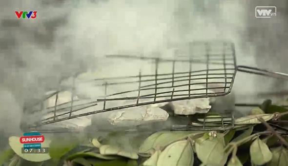 Cách chế biến đơn giản món đất hun khói lá sim.