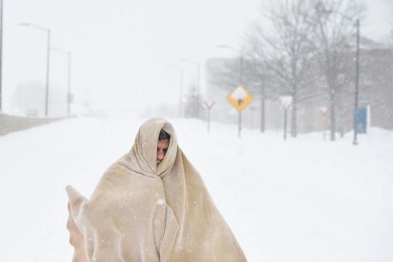 Trang phục chống lạnh của một người đàn ông ở Washington