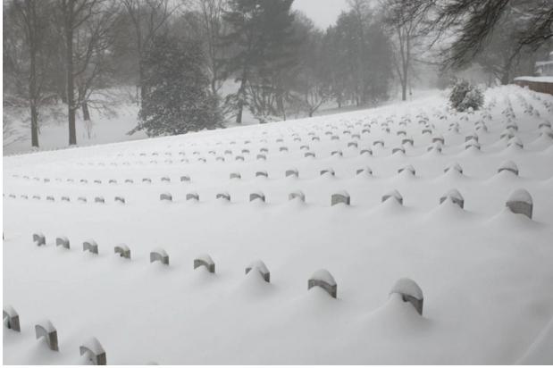 Tuyết ngập nghĩa trang Arlington National