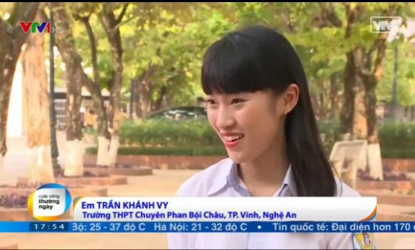 Em Trần Khánh Vy học lớp 12 trường THPT Chuyên Phan Bội Châu, TP.Vinh.