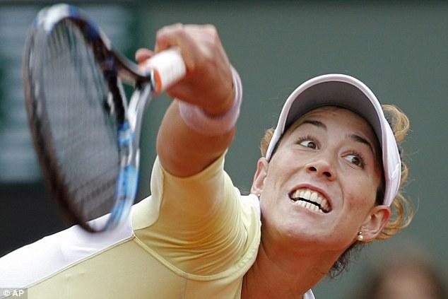 Mặc dù bị đánh giá thấp hơn, song Muguruza lại nhập cuộc đầy tự tin và tạo nên thế trận cân bằng trước tay vợt số 1 thế giới. Ảnh: AP