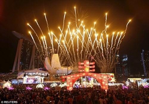 Màn pháo hoa rực rỡ tại Singapore.