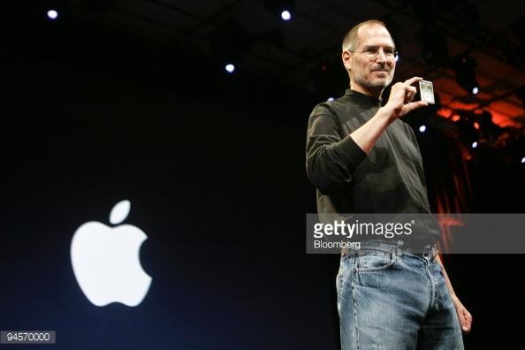 Phong cách thời trang tối giản của Steve Jobs.