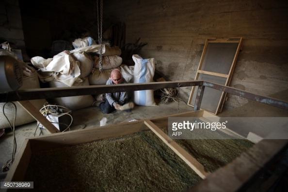 Mô hình xưởng sản xuất cần sa thủ công có nhiều tại các sườn núi biên giới Syria - Jordan.