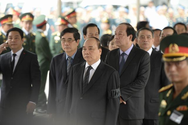 Dự lễ viếng các quân nhân hi sinh trên máy bay CASA 212 còn có các đồng chí lãnh đạo Nhà nước, các Bộ, ban ngành.