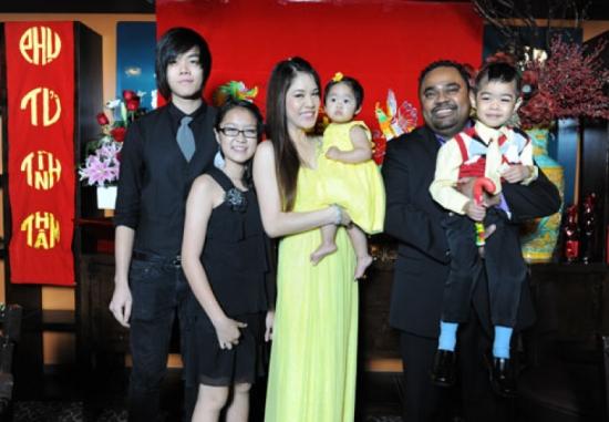 Gia đình ca sỹ Thu Phương