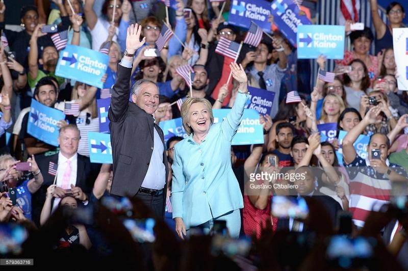 Bà Hilllary Clinton chính thức giới thiệu ông Tim Kaine là ứng viên tranh cử Phó Tổng thống Mỹ.