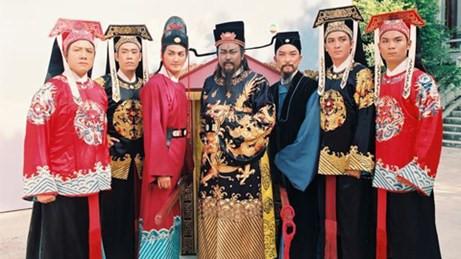 """Với độ dài kỉ lục 236 tập, bộ phim về vị quan thanh liêm đời Tống - Bao Thanh Thiên (1993) - từng là """"món ăn tinh thần"""" của hàng triệu khán giả Việt Nam mỗi ngày."""