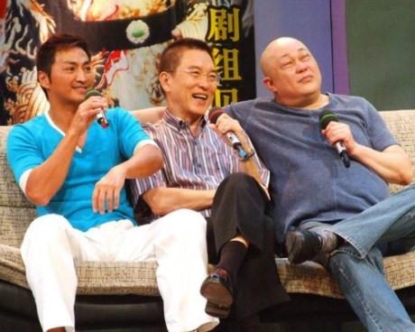 Ngoài đời, bộ ba diễn viên giữ mối quan hệ thân thiết suốt nhiều năm.