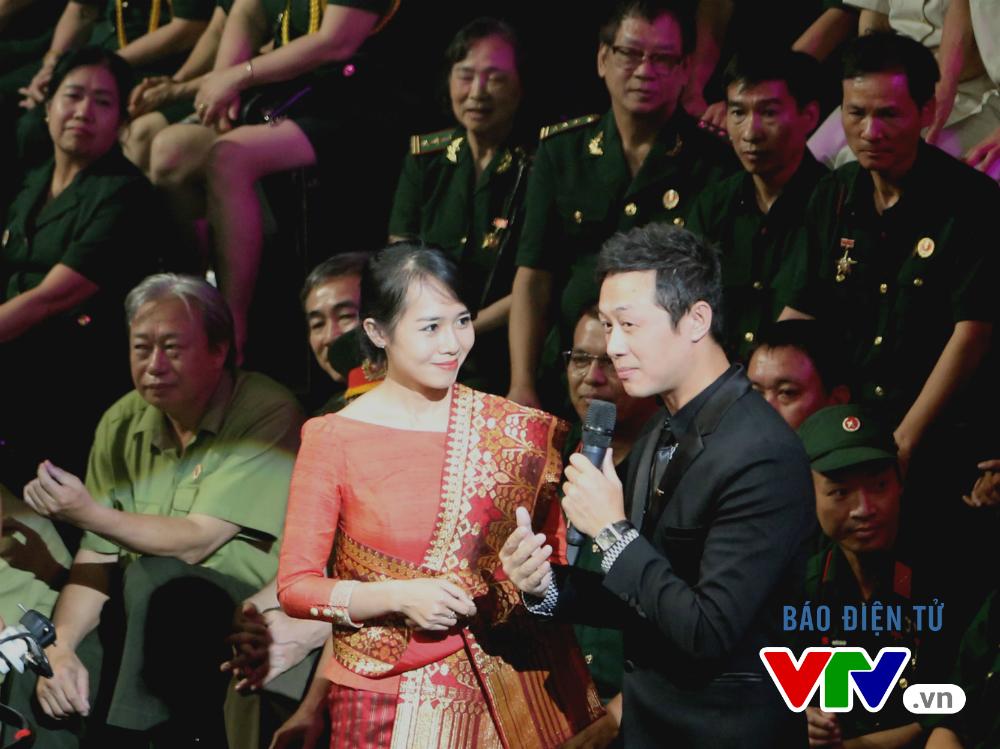 Cô gái này đã giúp nhạc sĩ Trần Tiến gợi nhớ nhiều kỷ niệm trên đất bạn Lào.
