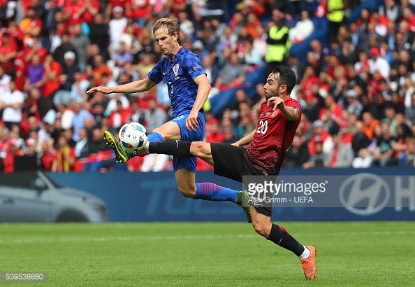 Thổ Nhĩ Kỳ (áo đỏ) đã có thất bại đầy tiếc nuối trước Croatia. Ảnh: Getty/ UEFA