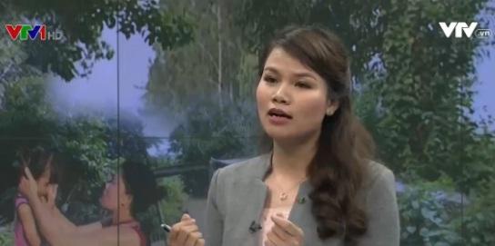 Phóng viên Nguyễn Ngân - người đã thực hiện loạt phóng sự về vấn đề cô dâu Việt Nam bỏ trốn về Việt Nam cùng con