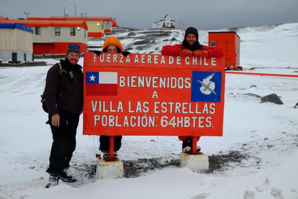 Mặc dù có thời tiết khắc nghiệt nhưng Las Estrellas là một địa danh thu hút khá đông du khách.