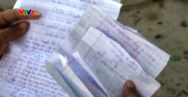 Niềm tin của người dân với chủ hụi chỉ đơn giản là những tờ giấy viết tay.