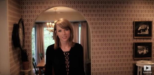 Trong đoạn video mới được đăng tải trên trang Vogue, các fan của Taylor Swift đã được nhìn ngắm căn nhà riêng của cô tại California (Mỹ).