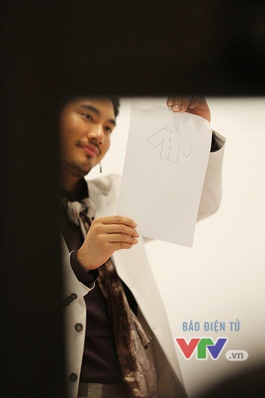 Một thiết kế tại chỗ được Lý Quí Khánh phác họa.