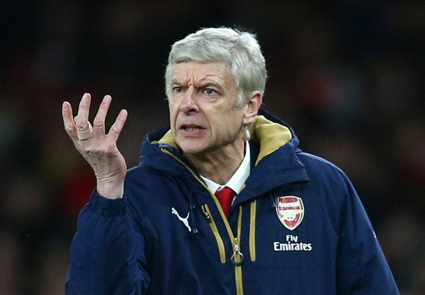 HLV Wenger có lí do để lo lắng trước cuộc tiếp đón Barca.