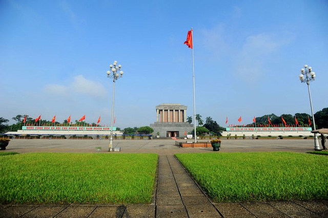 Sau khi Chủ tịch Hồ Chí Minh qua đời, thể theo nguyện vọng của toàn Đảng, toàn dân, toàn quân, Bộ Chính trị quyết định giữ gìn lâu dài thi hài và xây dựng công trình lăng của Người. Nhiệm vụ này được giao cho Quân đội mà trực tiếp là Bộ Tư lệnh Bảo vệ Lăng Chủ tịch Hồ Chí Minh thực hiện.