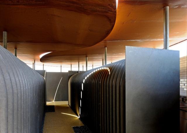 Nhà vệ sinh công cộng ở Thành phố Miki, tỉnh Hyogo, Nhật Bản. Thiết kế: Shuhei Endo Architect Institute