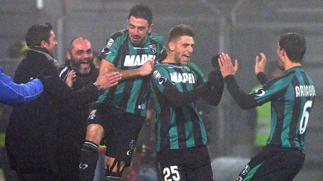 Domenico Berardi đi vào lịch sử Serie A với tư cách cầu thủ trẻ nhất ghi được 4 bàn trong 1 trận đấu.