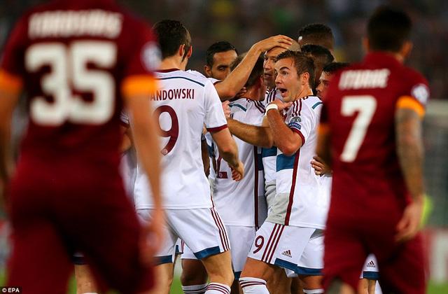 Bayern Munich hủy diệt AS Roma ngay sân nhà đối thủ.