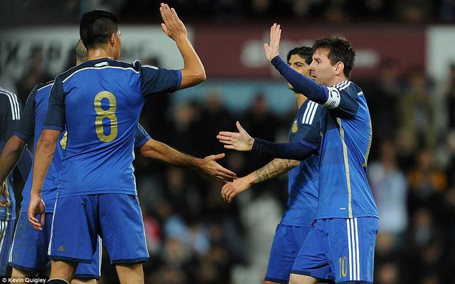 Messi cùng các đồng đội đang rất nóng lòng đối đầu với BĐN và Cristiano Ronaldo.