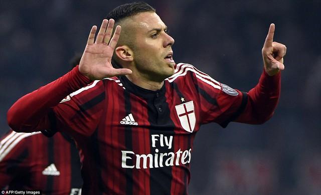 Jeremy Menez mở tỷ số cho AC Milan