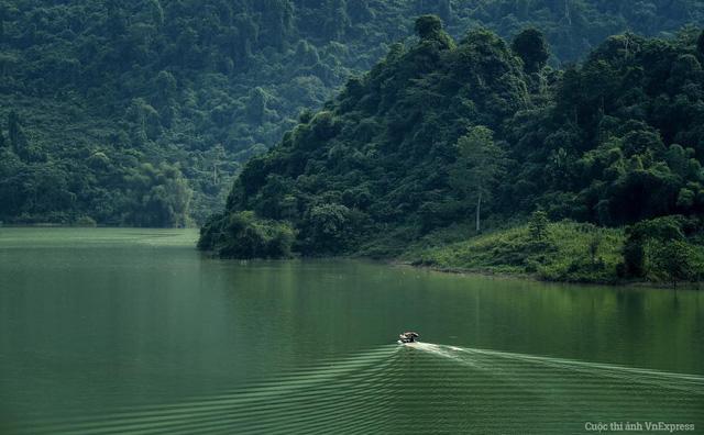 Sông Gâm đoạn Bắc Mê (Hà Giang) yên bình