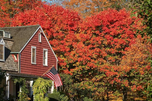 Cùng với thời tiết se lạnh, không khí trong trẻo và cảnh vật bình yên, New England là một trong những điểm đến đón thu tuyệt nhất trên thế giới theo nhiều bình chọn của du khách thập phương