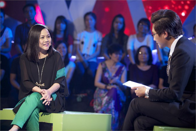 MC Công Tố ngỡ ngàng khi được đạo diễn nữ U50 cưa cẩm - Ảnh 1.