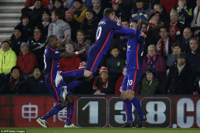 Những gì diễn ra tại St Mary đang mở ra viễn cảnh sáng sủa cho Man Utd. Ở mùa giải 2014/15 này, Quỷ đỏ mới chỉ giành được có 6 điểm trên sân khách.