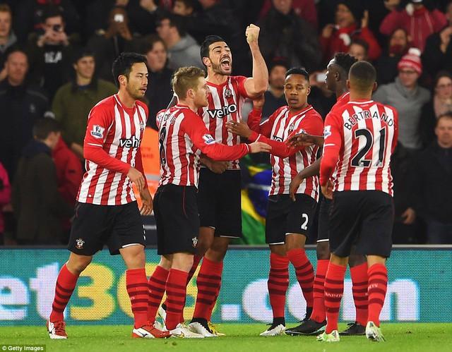 Sau bàn thắng, tinh thần của Southampton lên rất cao...