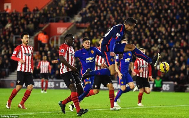 Thế nhưng bàn thắng tinh tế của Van Persie ở phút thứ 71 của trận đấu đã giải quyết tất cả.