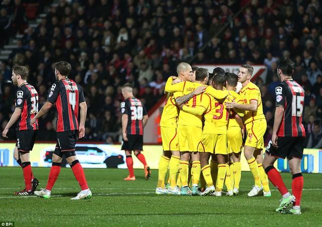 Liverpool đứng trước cơ hội giành một danh hiệu trong mùa giải 2014/2015