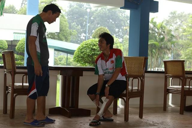Tiền vệ tài hoa của U19 Việt Nam vẫn bị đau nhẹ ở 2 chân.