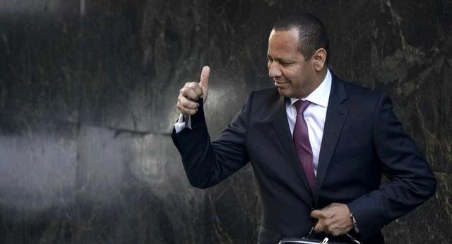 Chủ tịch Barca từ chức vì gian lận tài chính trong khâu chuyển nhượng.