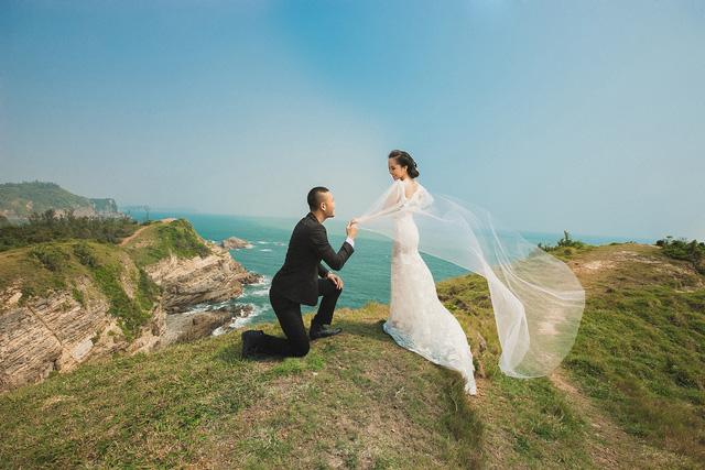 Bộ ảnh cưới là một trong những kỷ vật quan trọng mà cả hai muốn đầu tư thật kỹ càng.