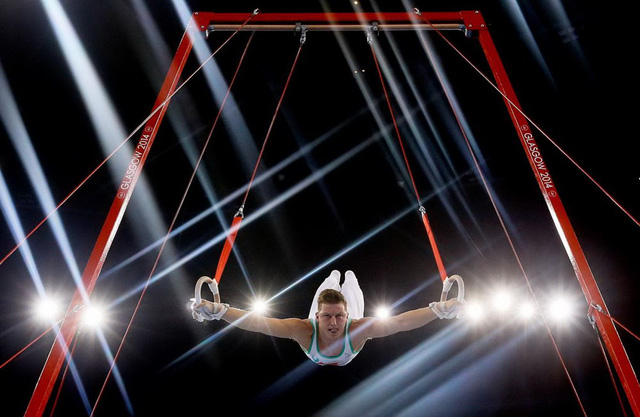 Harry Owen của Xứ Wales trình diễn trong giải thể dục dụng cụ thế giới ở Glasgow, Scotland. (Nguồn: AP)