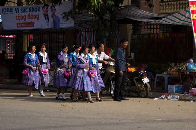 Với người Mông, người Thái nơi đây, dịp Tết Độc lập là một ngày lễ lớn sau Tết Nguyên đán, dịp họ có thể khoác lên người những bộ trang phục bắt mắt và đẹp đẽ nhất.