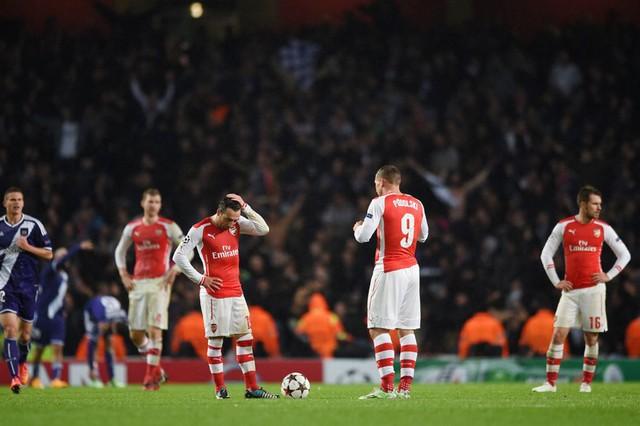 Arsenal vừa có cú sốc tại Champion League
