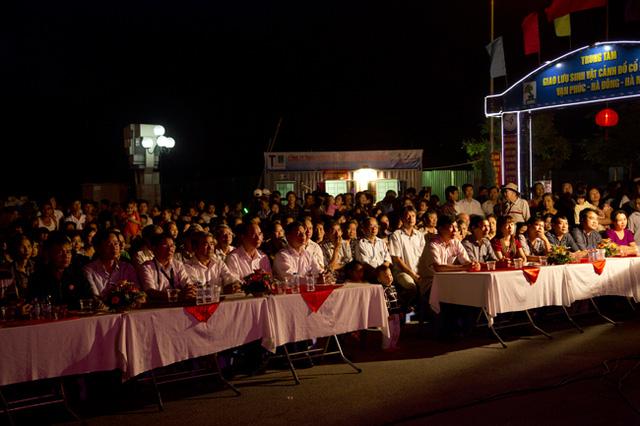 Đêm giao lưu có sự tham dự của đại biểu các cấp và toàn thể nhân dân phường Vạn Phúc
