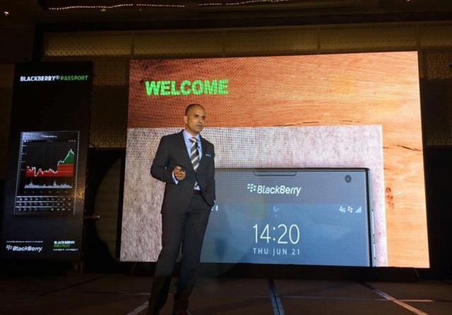 Ben Quirin bắt đầu sự kiện ra mắt BlackBerry Passport