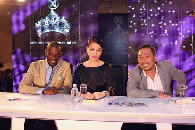 Bộ ba giám khảo của Hoa khôi áo dài Việt Nam