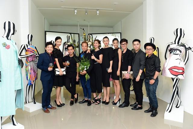 Rất đông người mẫu và NTK tới dự buổi ra mắt