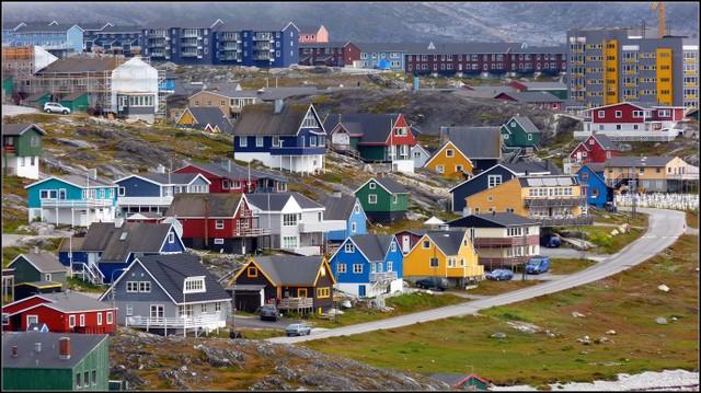Qaqortoq cũng chính là thủ phủ của Greenland, một quốc gia nằm trong Vương quốc Đan Mạch.